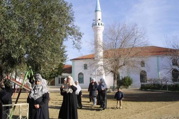 Κατάργηση της υποχρεωτικής εφαρμογής της Σαρία εξήγγειλε ο Τσίπρας από τη Θράκη!