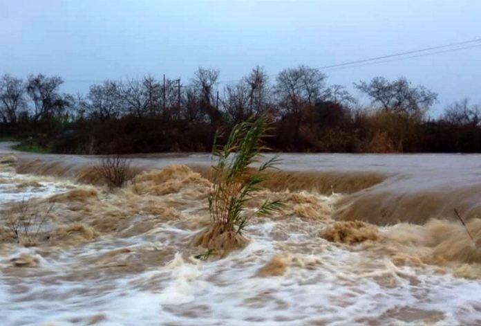 Μαΐστρος: Απροσπέλαστο το ρέμα «Ειρήνη» λόγω της βροχής