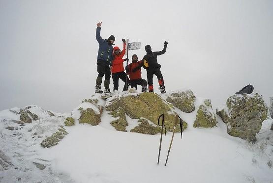 Στην κορυφή του κατάλευκου Παπικίου Όρους