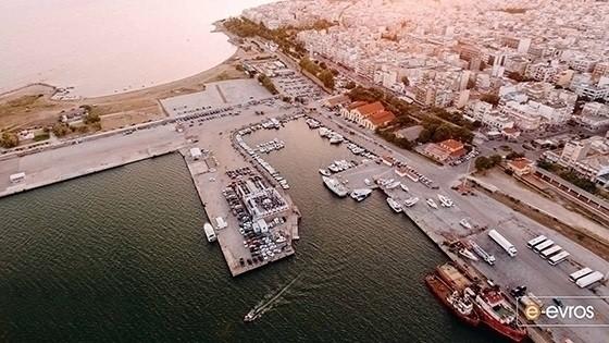 Οι Αμερικάνοι θα βγάλουν την βυθοκόρο «Όλγα» από το λιμάνι της Αλεξανδρούπολης