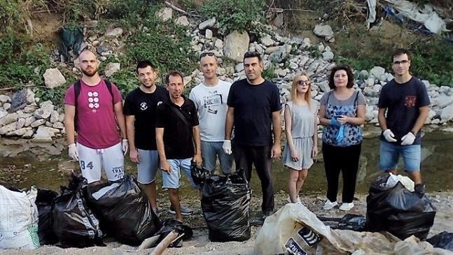 Στο Κόσμιο η δεύτερη εθελοντική δράση καθαρισμού της ομάδας «Φίλοι Αδέσποτων Κομοτηνής SOS»