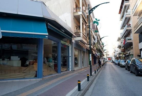 Ηλεκτρονικό εμπόριο: Δαυίδ εναντίον Γολιάθ τοπικά καταστήματα και μεγάλες αλυσίδες
