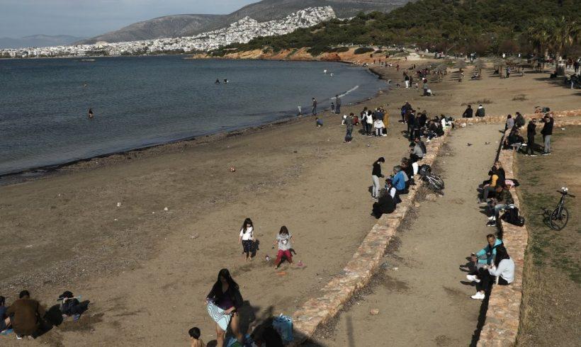 Άμπωτη: 'Αδειασε η θάλασσα από Σαμοθράκη και Καβάλα μέχρι την Σητεία – Η εξήγηση