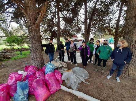 Η ομάδα «Πάρκο να γίνει» ομορφαίνει την πόλη της Αλεξανδρούπολης!