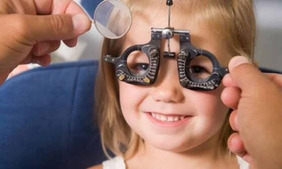 Δωρεάν οφθαλμολογικές εξετάσεις στα παιδιά του νησιού της Σαμοθράκης